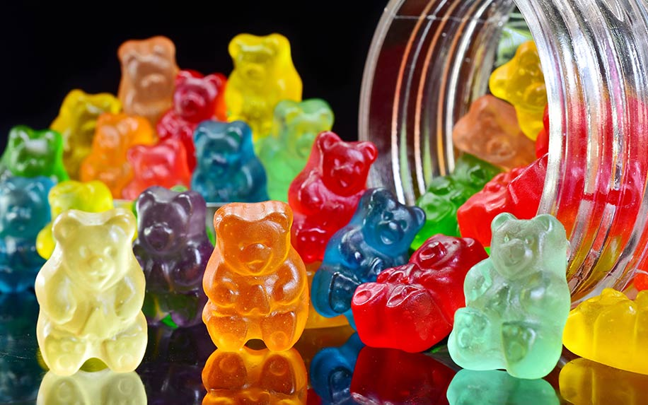 Learn about the benefits of THC gummies VS smoking cannabis.