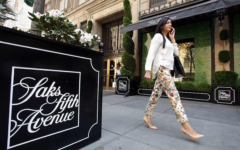 Saks Fifth Avenue in Manhattan display CBD.