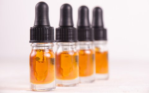 All CBD Oils Have Cannabidiol, But They're Not All the Same (or Legal)